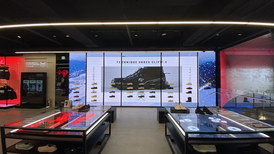 Descente group store signage system across the country